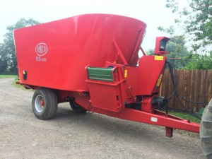 Twin auger XL20 on single axle with 1.0m elevator fully refurbished