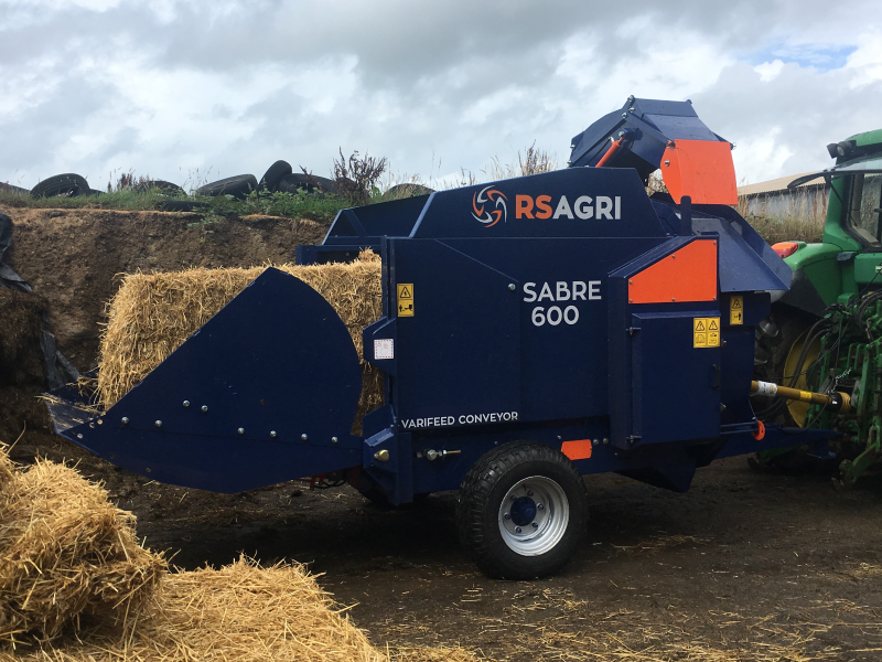 SABRE 600 with a square bale